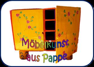 Möbel und Regale aus Pappe