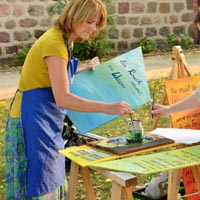 Michaela Ambellan malt Farbengedichte
