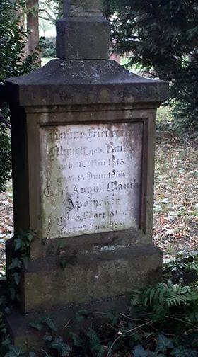 Grabstein Carl-August Mauch auf dem Oberhofen-Friedhof  im Oktober 2018 © Melli Bäurle (mit einem Dank an Stadtführerin Margit Haas)