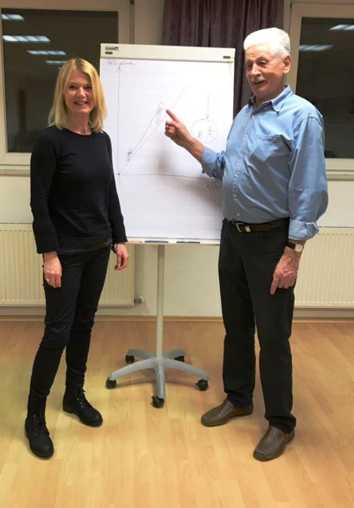 Leiterin Heidi Meyer mit Herrmann Reißfelder