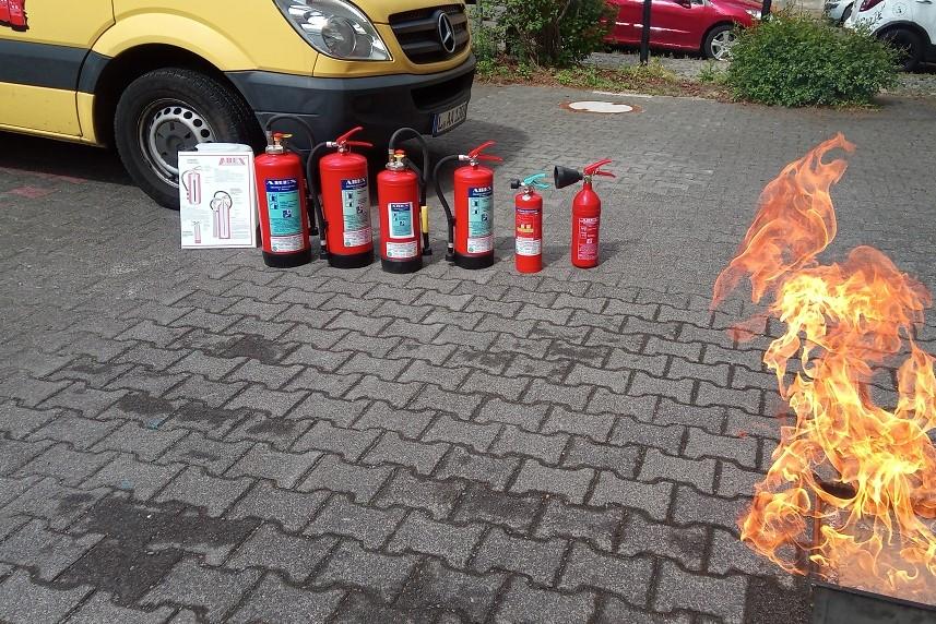 Brandschutzhelfer- Schulungen und Feuerlöschgerätetraining