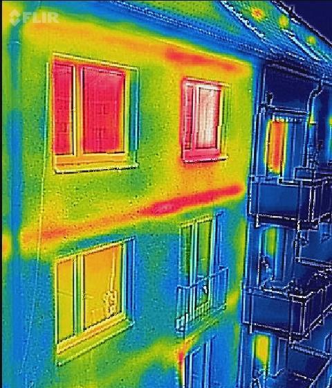 Thermografie, ungedämmt vs gedämmt