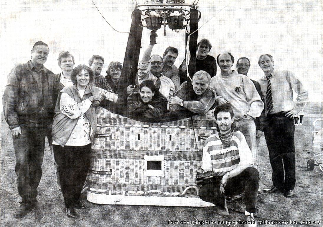 Gründungsfoto des Ballonsportclubs Jena e.V. mit unserem ersten eigenen Ballon