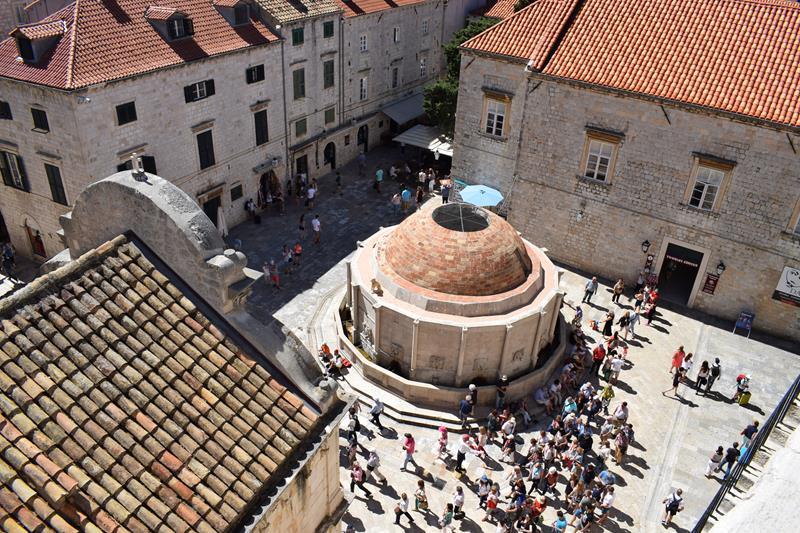 Historischer Hauptbrunnen in Dubrovnik