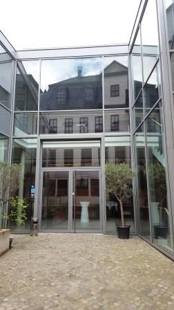 Palais Salfeldt mit Zugang zum Restaurant Theophano - Foto: Dr. Ulrich Schweiker
