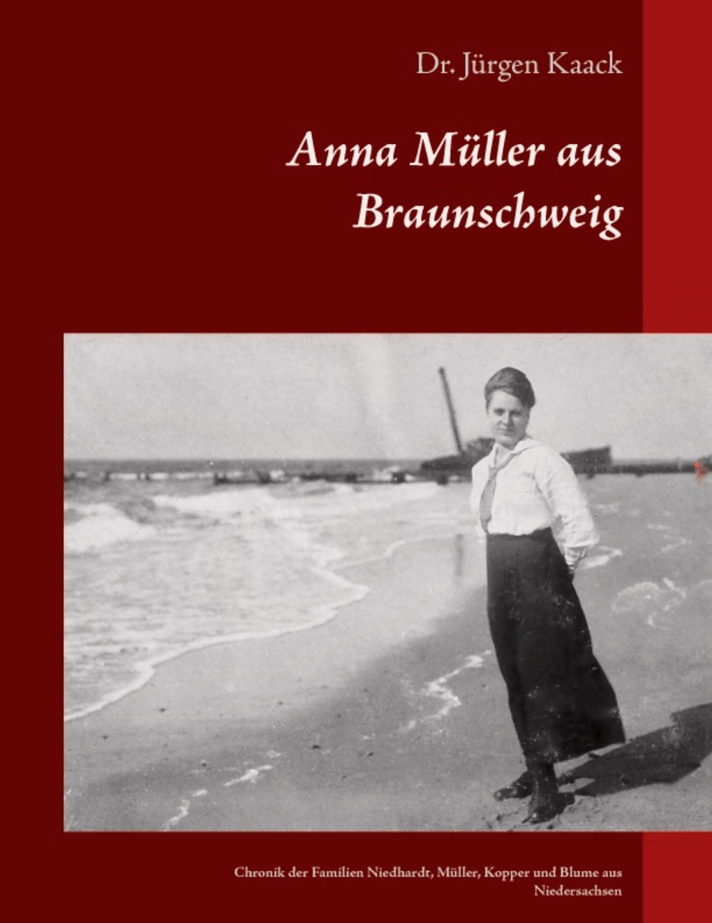 Anna Müller hat die längste Zeit ihres Lebens in Westerland verbracht, geboren wurde sie in Braunschweig und ihre Jugend verbrachte sie in Hamburg. In ihre Lebenszeit fielen beiden Weltkriege. Ihre Vorfahren lebten seit 1600 in Braunschweig, Bad Gandersheim und im Harz Vorland.