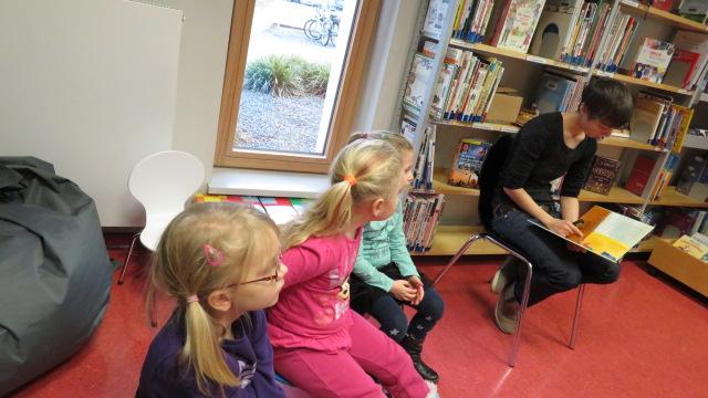 Besuch in der Bibliothek