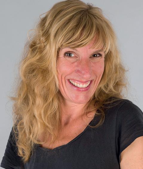 Julia Jung-Teichmann Kinderyoga-Lehrerin seit 2013, Iyengar Yogalehrerin in der Ausbildung seit 2017, Ktpp