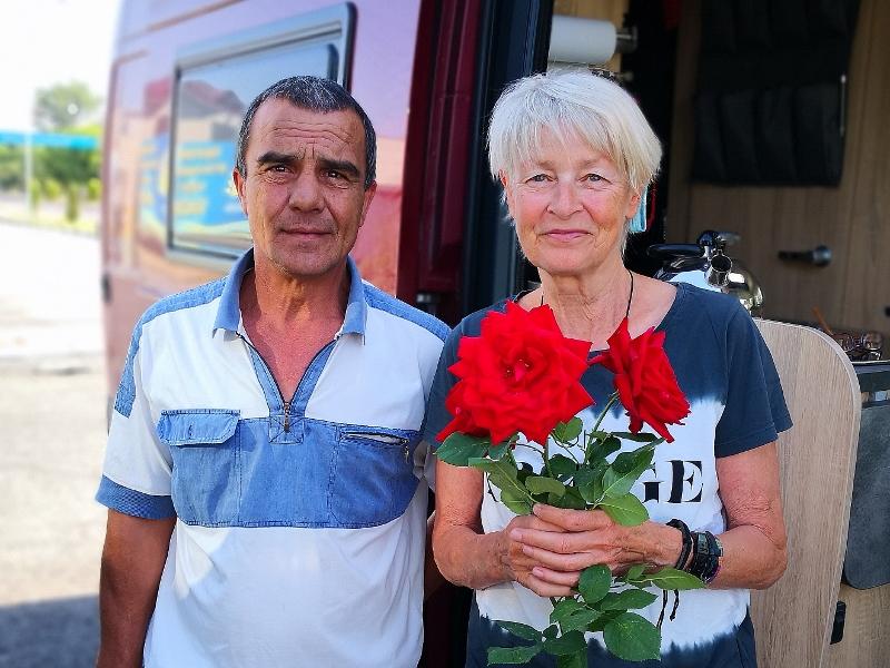 Am Morgen steht Nasreddin mit Rosen vor meiner Tür