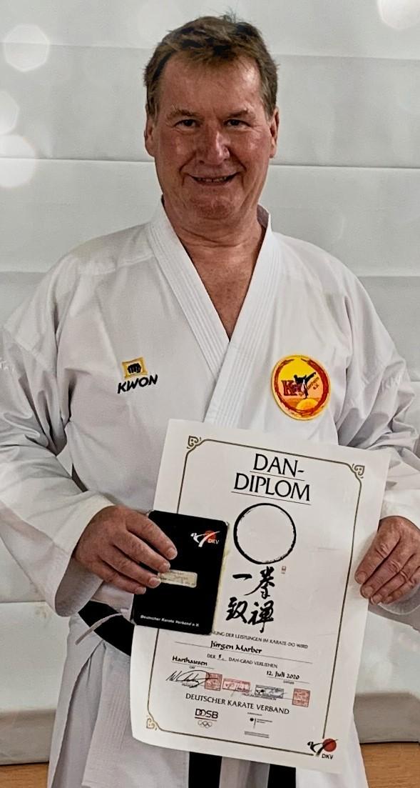 Jürgen Marber hat die Prüfung zum 5. Dan bestanden.