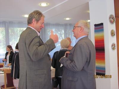 Matthäus Vogel (links) im Gespräch mit Konrad Ringle (rechts)