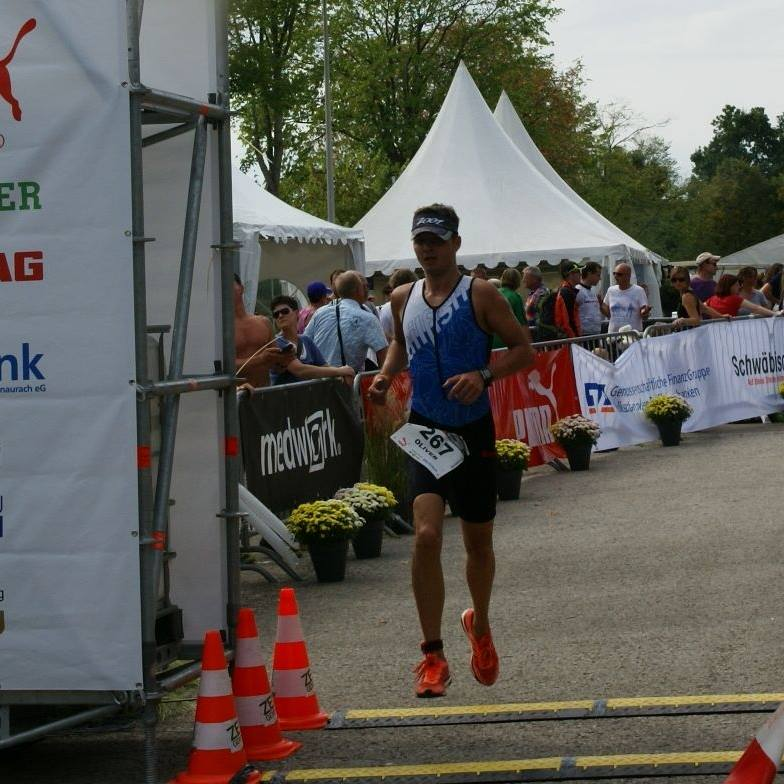 Oliver Kievernagel beim Triathlon Höchstadt 2015